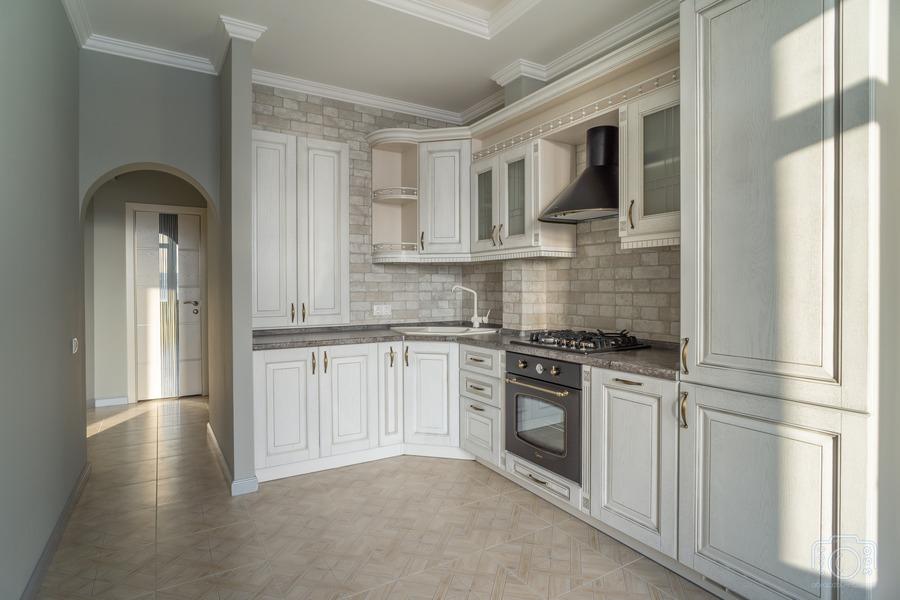 Белый кухонный гарнитур-Кухня из шпона «Модель 7»-фото1