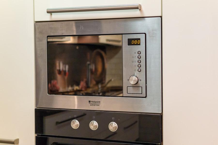 Белый кухонный гарнитур-Кухня из пластика «Модель 2»-фото6