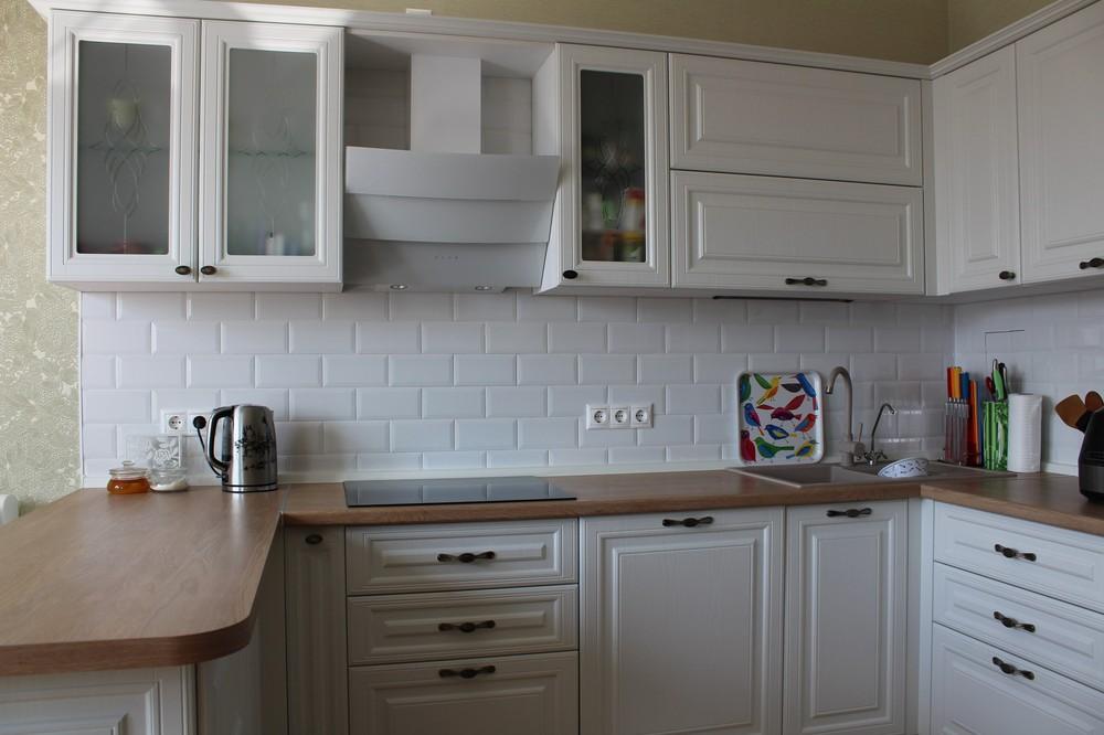 Белый кухонный гарнитур-Кухня МДФ в ПВХ «Модель 102»-фото4