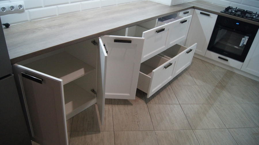 Белый кухонный гарнитур-Кухня МДФ в эмали «Модель 202»-фото7