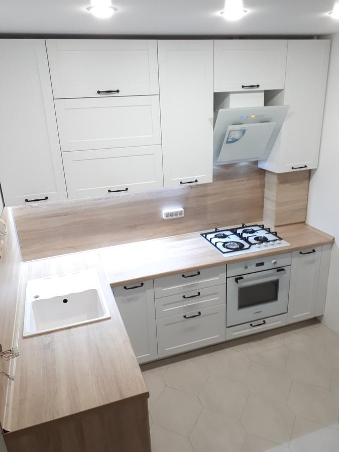 Белый кухонный гарнитур-Кухня МДФ в ПВХ «Модель 500»-фото1
