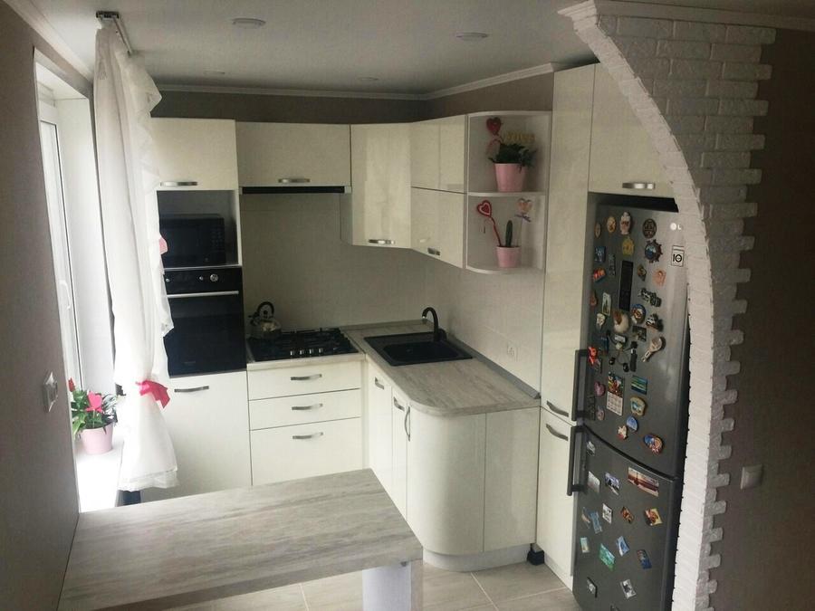 Белый кухонный гарнитур-Кухня из пластика «Модель 384»-фото1