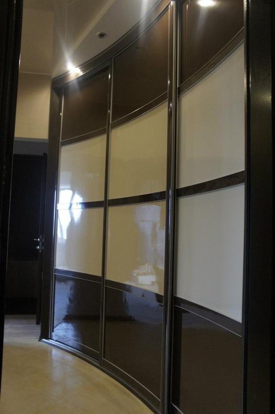 Бельевой шкаф-купе-Шкаф-купе из пластика «Модель 323»-фото1