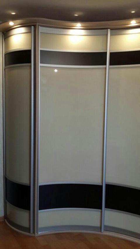 Белые шкафы-купе-Шкаф-купе из стекла Лакобель «Модель 399»-фото1