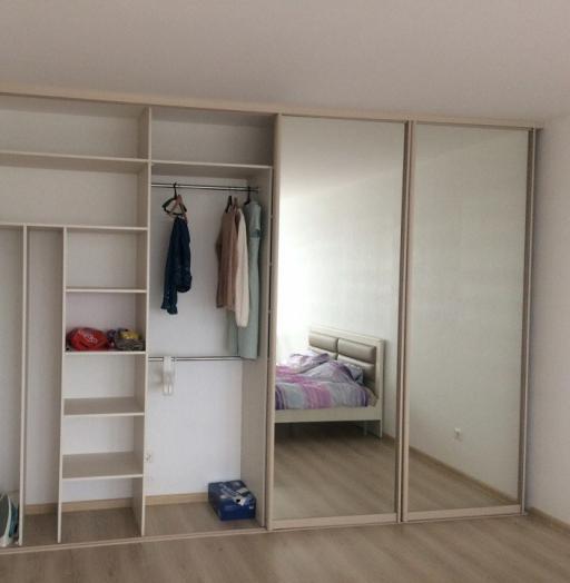 Белые шкафы-купе-Шкаф-купе с зеркалом «Модель 135»-фото3